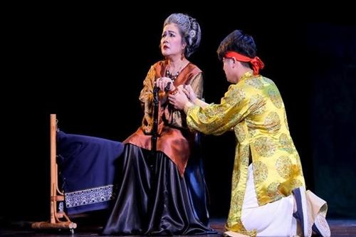 NSND Lệ Ngọc (trái) với vai mẹ chồng trong Kim Tử.