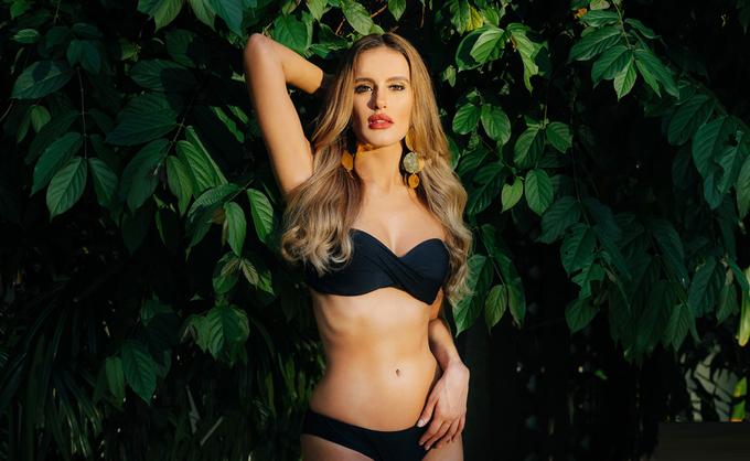 Phương Nga diện bikini bên dàn thí sinh Miss Grand International