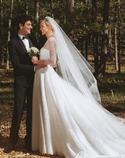 Karlie Kloss trong ngày cưới.