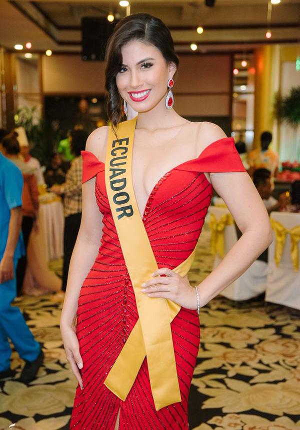Phương Nga mặc xuyên thấu dự tiệc Miss Grand International