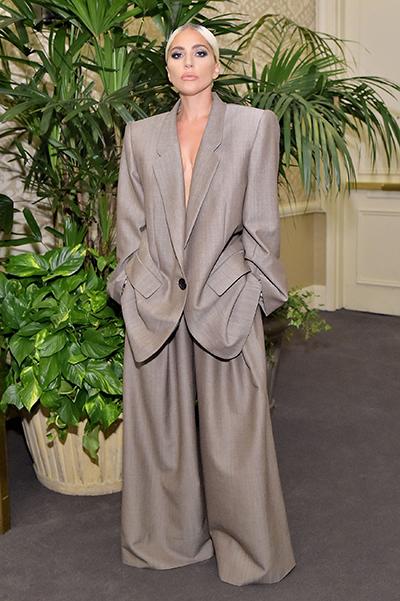 Lady Gaga mặc thiết kế Xuân Hè 2019 của Marc Jacobs.