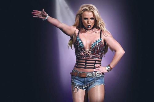 Britney Spears trở lại Las Vegas đầu năm sau.