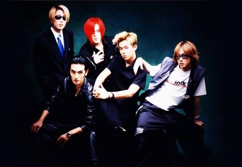 H.O.T là nhóm nhạc thần tượng đời đầu của Hàn Quốc. Vụ H.O.T tan rã năm 2001 đứng thứ 5 sự kiện
