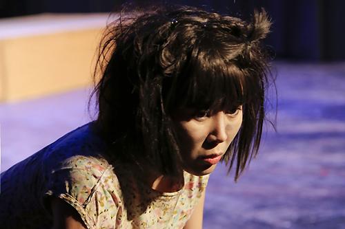 Tạo hình của Lê Phương trong vai người mẹ điên.