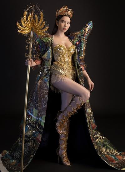 Trang phục lấy cảm hứng từ cây lúa của Huỳnh Vi.