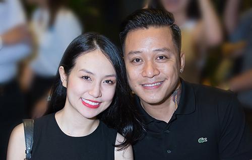 Tuấn Hưng và bà xã Thu Hương kết hôn hồi tháng 4 năm 2014. Cặp vợ chồng hiện có một con trai và một con gái.
