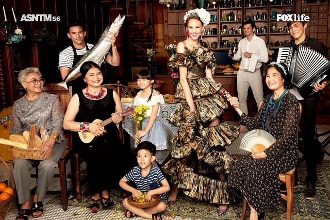 Minh Tú, Thanh Vy catwalk ở chung kết Asia's Next Top Model