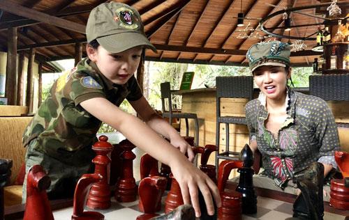 Hồng Nhung đưa hai con du lịch ởSri Lanka - 2
