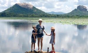 Hồng Nhung đưa hai con du lịch Sri Lanka