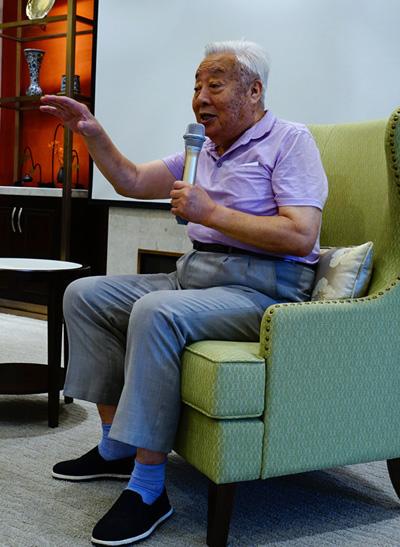 Theo Sina, ông Chu Long Quảng dẻo dai, minh mẫn ở tuổi bát tuần.