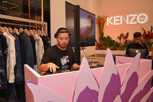 Màn trình diễn của DJ Minoto mang tới không khí sôi động cho sự kiện.