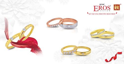 Bộ sưu tập Sánh đôi có thiết kếnhẫn nam kiểu dáng mạnh mẽ bên nhẫn nữ kim cương tấm dịu dàng vớiý nghĩa cùng nhau đi trọn đường đời.