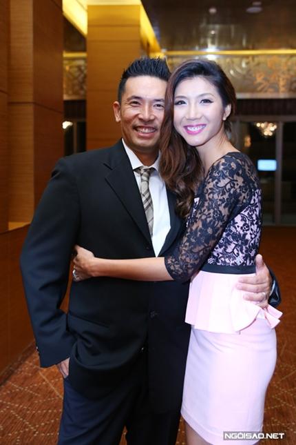 Tháng 8/2014, Ngọc Quyền lần đầu giới thiệu chồng trước công chúng trong sự kiện ra mắt quỹ từ thiện của Richard tại Việt Nam. Cả hai cũng có nhiều chuyến đi từ thiện ở các tỉnh thành sau đó. Người mẫu luôn bày tỏ niềm hạnh phúc khi được cùng chồng làm những điều có ích cho quê hương.