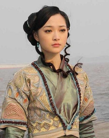 Hà Trác Ngôn đóng vai Tiểu Chiêu năm 2009.