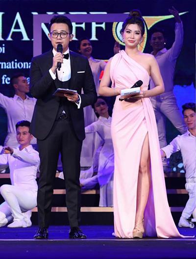 MC Đức Bảo và Diễm Trang dẫn dắt lễ trao giải chỉn chu.