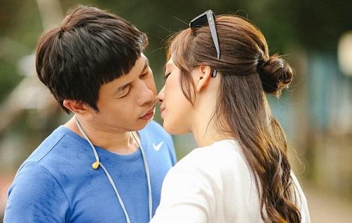 Phương Anh Đào diễn cảnh hôn Thái Hóa trong Chàng vợ của em.
