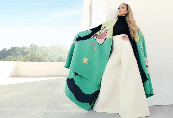 Jennifer Lopez bán khỏa thân trên tạp chí