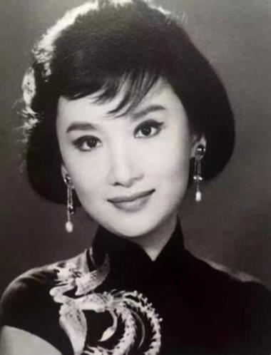 Diễn viên Hạ Mộng (1933-2016).