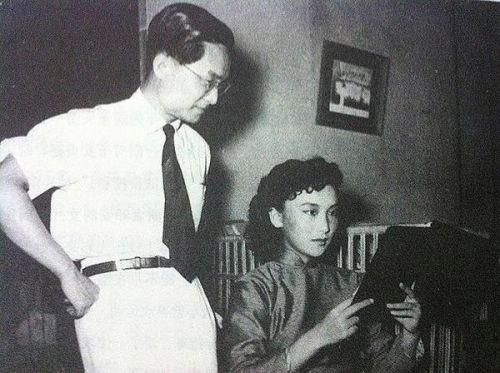 Kim Dung và Hạ Mộng từng làm chung công ty điện ảnh Trường Thành.