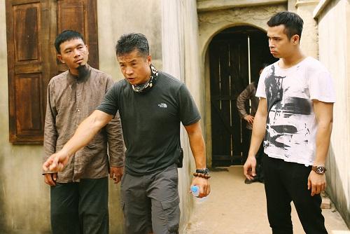 Vincent Wang (giữa) trên phim trường Người bất tử.