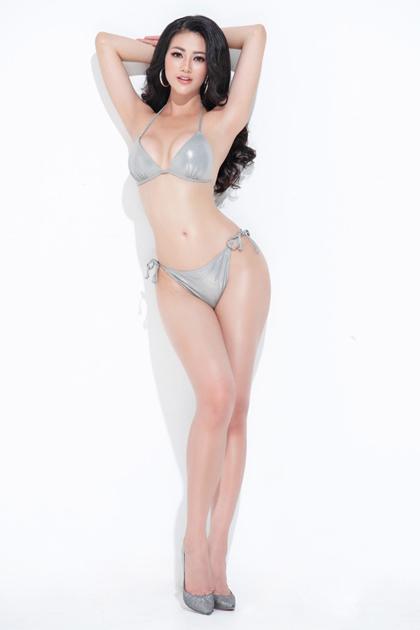Người đẹp tập luyện từ nhỏ nên giữ được vòng eo 56 cm. Tuy nhiên, trước cuộc thi, cô phải tập tăng cơ để đẩy vòng eo lên 58 cm, giúp thân hình cân đối hơn.