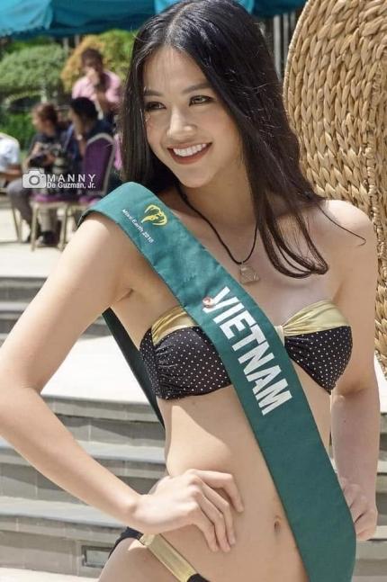 Đại diện Việt Nam ghi điểm trong các phần thi phụ với vẻ khỏe khoắn, rạng rỡ. Cô từng giành huy chương bạc trong phần thi bikini.