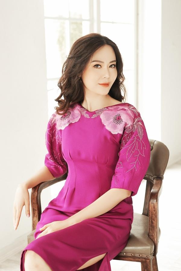 Hoa hậu Thu Thủy làm 'nàng thơ' của Xuân Lê