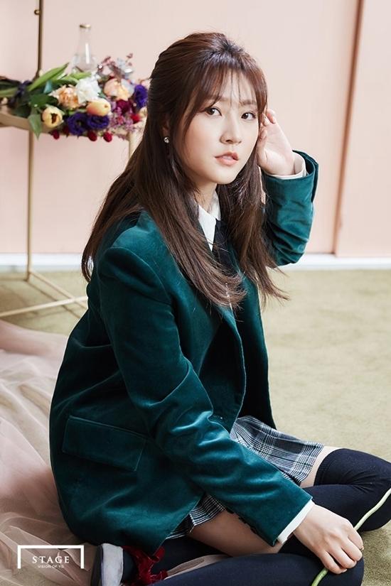 Nhan sắc tuổi 18 của sao nhí một thời Kim Sae Ron