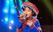 Học trò Hồ Hoài Anh hát dân ca khiến giám khảo thích thú