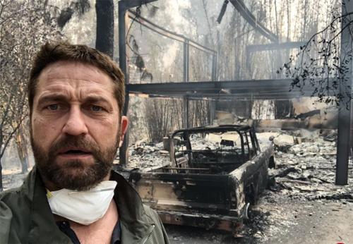 Gerard Butler đăng ảnh ngôi nhà và chiếc xe cháy rụi lên Twitter.
