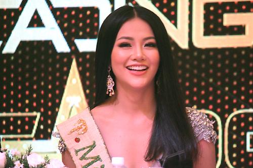 Hoa hậu Phương Khánh: Tôi buồn khi bị bình luận tiêu cực