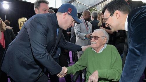 Stan Lee và Kevin Feige - chủ tịch Marvel Studios - ở lễ ra mắt Avengers: Infinity War tại Los Angeles (Mỹ).