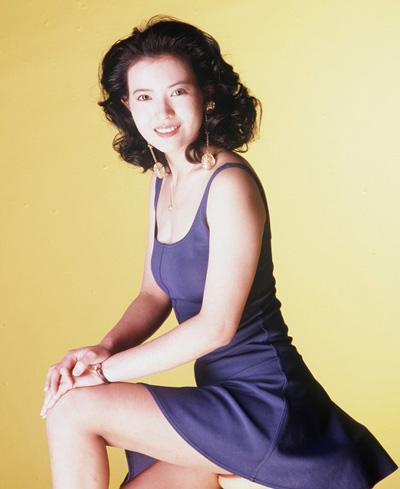 Lam Khiết Anh sinh năm 1963 Khi vào nghề năm 1984, Lam Khiết Anh được các đài truyền hình săn đón, trao cho nhiều cơ hội diễn xuất. Theo On, cô được mệnh danh đẹp nhất ngũ đài sơn (chỉ năm đài phát thanh, truyền hình ở Hong Kong thời bấy giờ).