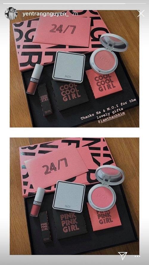 Sở hữu cả hai dòng Cool Cool Girl và Pink Pink Girl của M.O.I 24/7, Yến Trang tỏ ra hào hứng với sản phẩm có hai tông màu cam đất và hồng đất thời thượng.