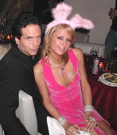 Rick Salomon là người tình đầu tiên Paris Hilton công khai hẹn hò năm 19 tuổi. Cô quen tay chơi poker vào năm 2000 và gắn bó trong một năm. Tuy nhiên, đây được xem là mối tình sóng gió nhất trong tình trường của tiểu thư nhà Hilton. Năm 2004, cô bị Rick Salomon tung video quay cảnh sex giữa hai người và phát hành với tên One Night in Paris. Video này giúp Rick Salomon và anh trai bỏ túi hàng triệu USD. Thời điểm đó, mọi phương tiện truyền thông đều nhắm về phía Paris Hilton. Cô nhớ lại quãng thời gian này trong phim tài liệu phát hành đầu năm nay, The American Meme: Tôi cảm thấy như mình bị cưỡng hiếp một lần nữa. Tôi chỉ muốn chết.