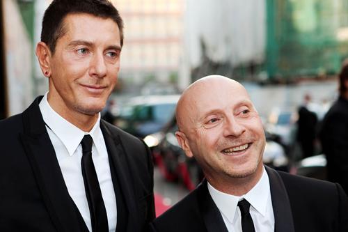Hai nhà thiết kế Stefano Gabbana (phải) và