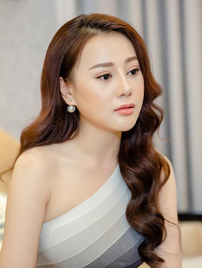 Năm 2018, cô được đề cử giải Cánh Diều Vàng ở hạng mục Nữ diễn viên chính xuất sắc với vai Súa trong phim Lặng yên dưới vực sâu.