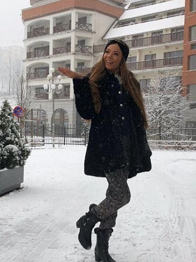 Người đẹp Đan Mạch cùng các thí sinh vui chơi ngay bên ngoài khách sạn Gołebiewski Karpacz và nghịch tuyết.