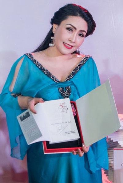Kiều Oanh sinh con gái thứ hai được hai tháng.