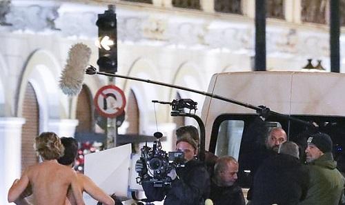 Ê-kíp đoàn phim ghi hình diễn viên. Ảnh: IMP.