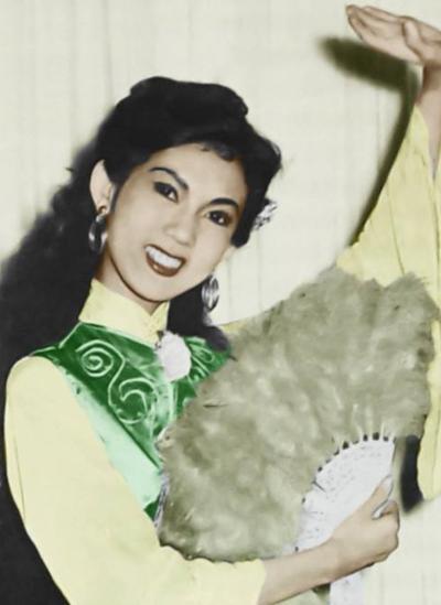Thanh Ngatuổi 16 với khuôn mặt trái xoan, mắt huyền vô ưu. Thời điểm này, bàghi dấu ấn đầu tiên với vai sơn nữ Phà Ca trong tuồng Người vợ không bao giờ cưới(soạn giả Kiên Giang sáng tác). Vai diễn đưa bà lên hàng ngôi sao triển vọng thời bấy giờ, đồng thời là người đầu tiên đoạt giải Thanh Tâm - giải thưởng cao quý trong nghề diễn- vào năm 1958.