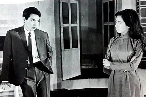 Thanh Nga diễn chung với nhiều kép hạng nhất thời bấy giờ, trong đó có Thành Được. Diễn cùng ông trong vở Sân khấu về khuya với vai Giáng Hương (ảnh), Thanh Nga nhận giải thưởng Thanh Tâm thứ hai trong sự nghiệp vào năm 1966.