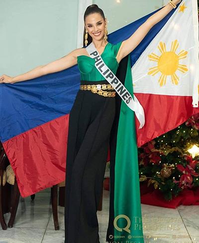 Hoa hậu Philippines trước khi lên đường sang Thái Lan.