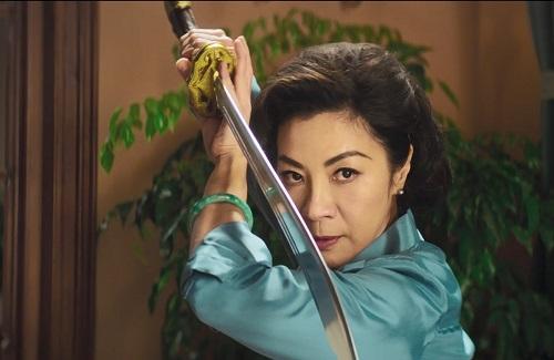 Dương Tử Quỳnh thủ vai một nữ cao thủ điều hành băng đảng.