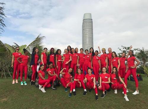 Phần thi thể thao diễn ra tại khách sạn Rosewood ở Sanya với các thí sinh Miss World chia làm ba đội: vàng, xanh và đỏ. Mỗi đội cử ra sáu đại diện tranh tài sau phần kiểm tra nhanh, những người còn lại cổ vũ cho đồng đội. Đội đỏ chiến thắng giải đồng đội ở thử thách thể thao.