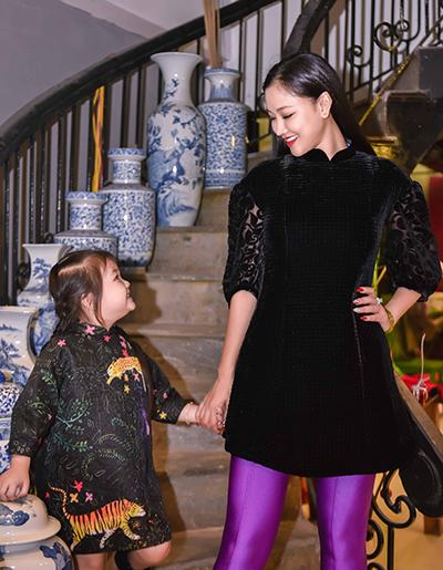 Maya đưa con gái đi thử đồ dự show thời trang - 4