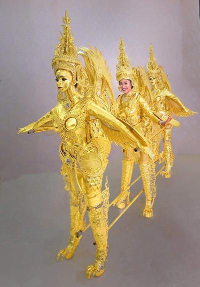 Trang phục dân tộc của Lào ở Miss Universe 2018.