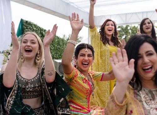 Khách tham dự lễ cưới của Priyanka Chopra được yêu cầu không mang theo điện thoại có chức năng chụp ảnh và vào cung điện Umaid Bhawan qua cổng kiểm soát nghiêm ngặt.