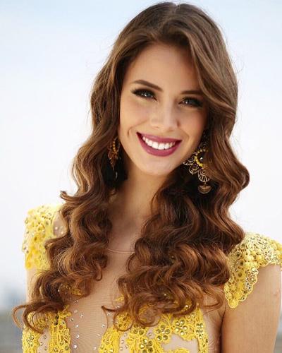 Hoa hậu Chile, Anahi Hormazabal, đăng quang hồi tháng 9 và đại diện đất nước thi Miss World. Cô gái 20 tuổi cao 1,75 m và đang là sinh viên chuyên ngành Ngoại thương.