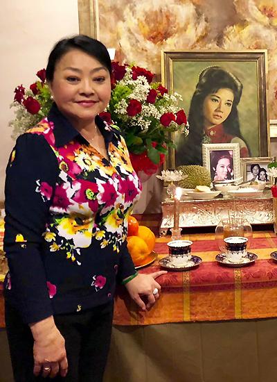 Danh ca Hương Lan tưởng nhớ Thanh Nga. Phụ thân bà là nghệ sĩ Hữu Phước, bạn diễn một thời của Thanh Nga.